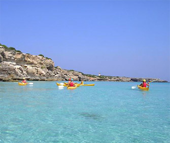 Sport: sea kayak on theisland of Elba